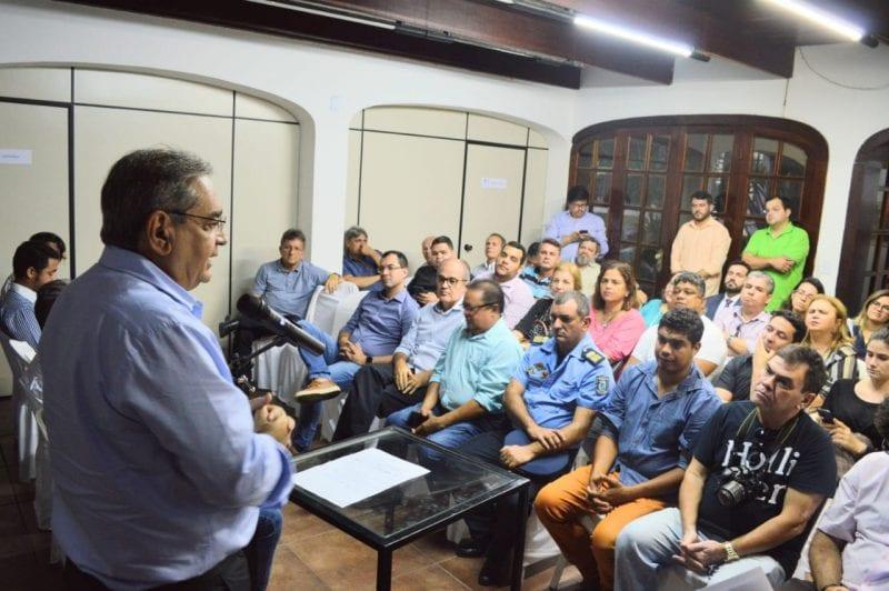 Prefeito Álvaro Dias assina ordem de serviço para obra de recuperação da Praça Gentil Ferreira