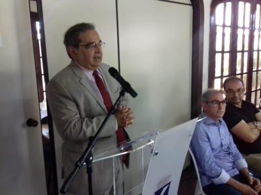 Prefeito Álvaro Dias assina decreto que simplifica licenciamento ambiental em Natal