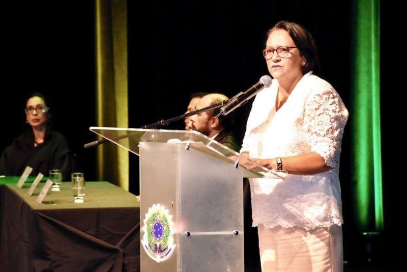 Resultado de imagem para foto da posse da governadora fatima bezerra