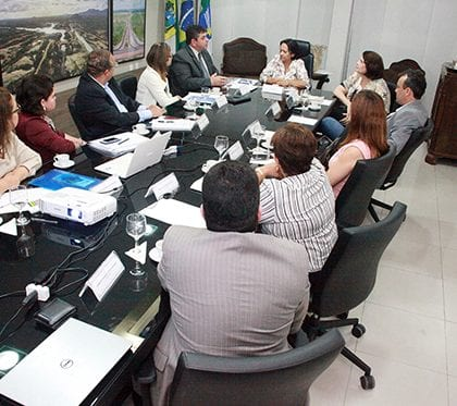 Uern apresenta projetos e demandas ao Governo