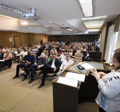 Seminário conclui com debate sobre gestão orçamentária e comunicação