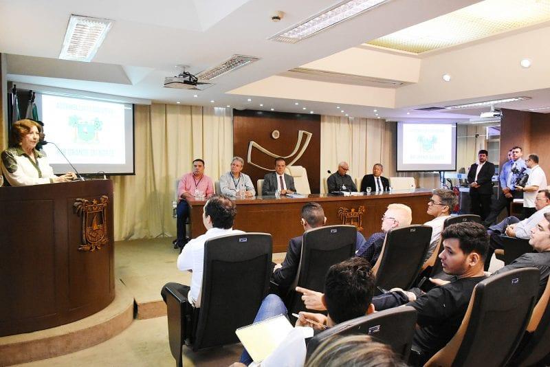 Deputados e servidores participam de seminário sobre Processo Legislativo
