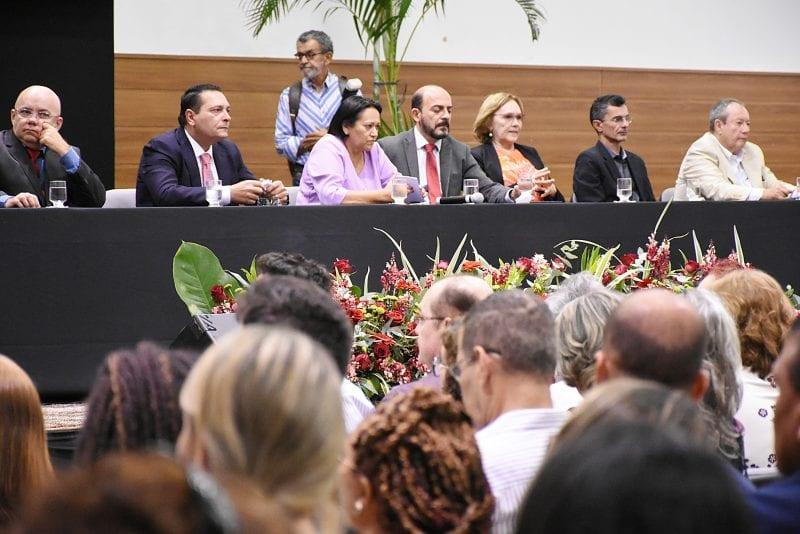 Deputado Ezequiel Ferreira participa da posse dos secretários e auxiliares do novo Governo