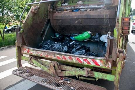 Empresa é condenada por descumprir normas de saúde e segurança na coleta de lixo