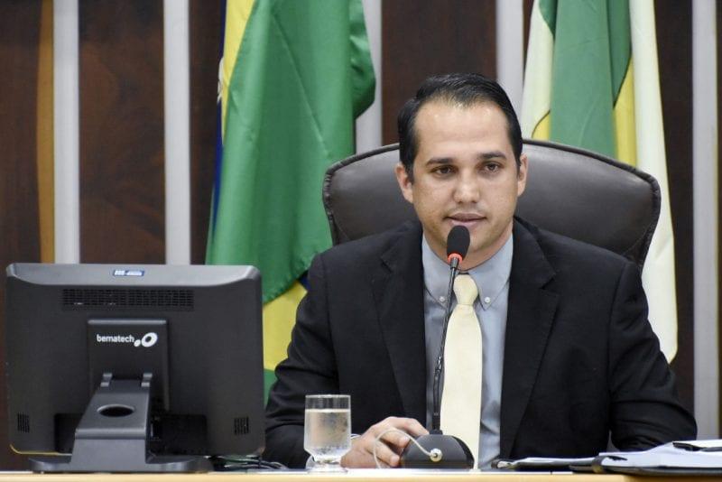 Deputado Kleber Rodrigues apresenta projeto Pro-emprego, destinado a pessoas desempregadas há mais de dois anos