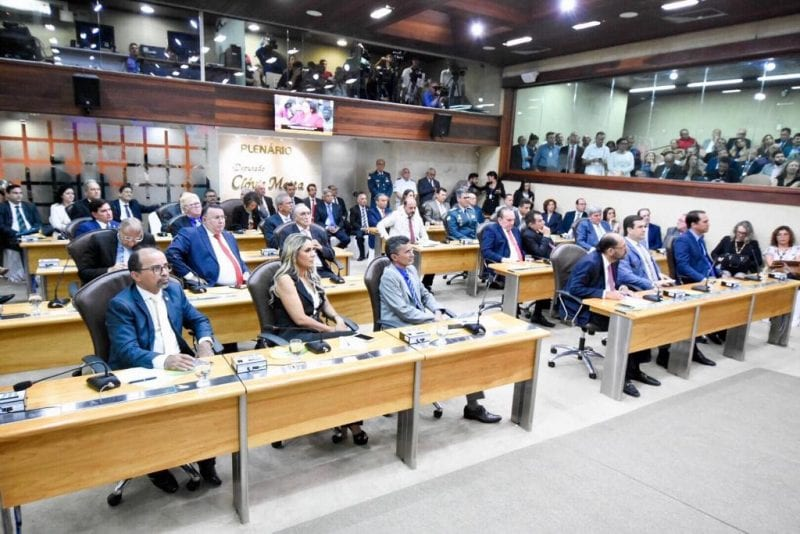 Deputados avaliam mensagem da governadora Fátima