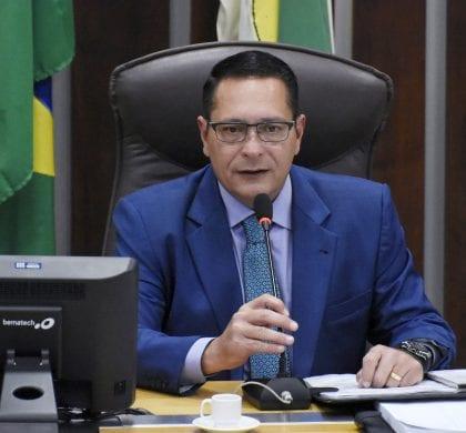 Deputado Ezequiel reivindica benefícios para municípios da região Seridó