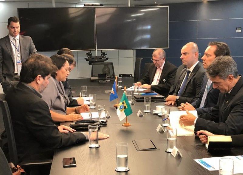 Governadora Fátima discute parcerias com presidente da Caixa em Brasília