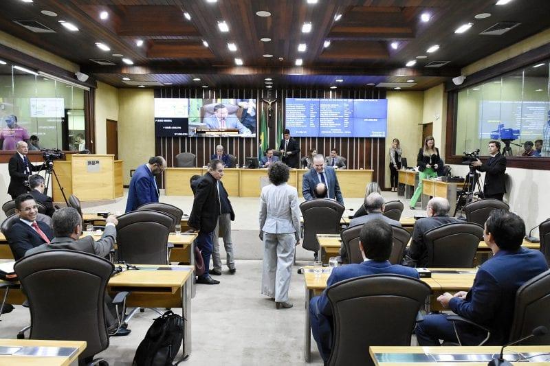 Constituídas comissões permanentes da Assembleia para ano legislativo de 2019