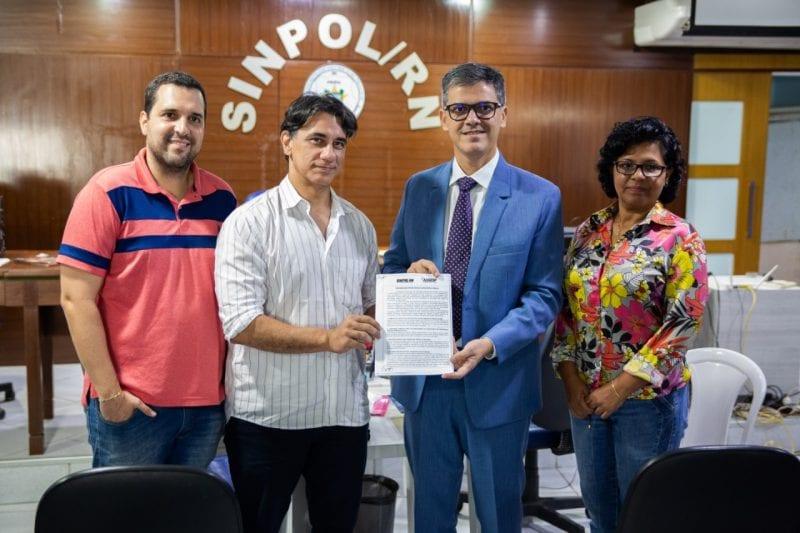 Coronel Azevedo anuncia apoio à realização de concurso da Polícia Civil