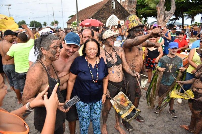 Governadora participa do carnaval da Redinha