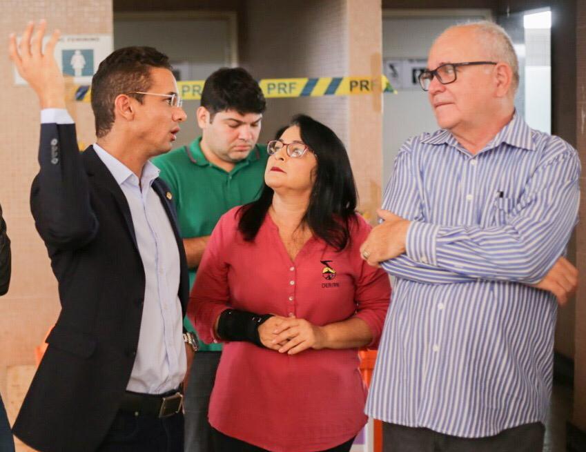 """Diretor do DER visita """"Rodoviária"""" e garante serviços de recuperação"""