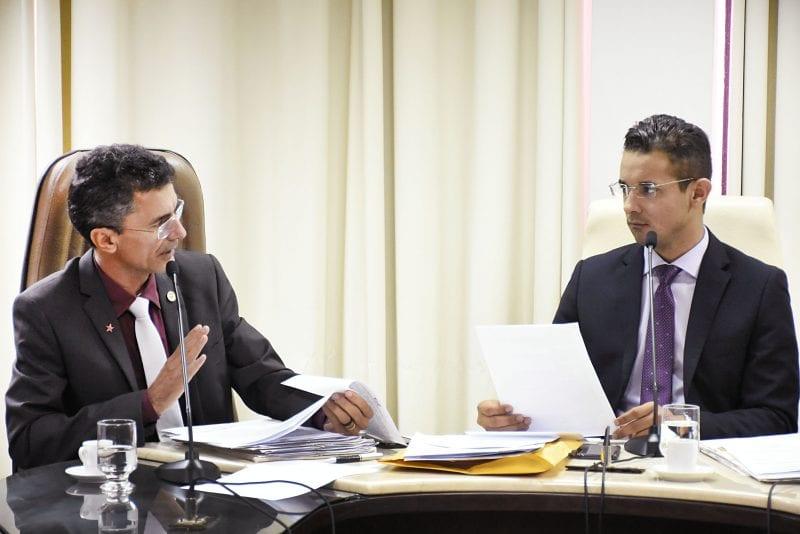 Comissão de Educação analisa e vota 16 projetos e remete um para Saúde