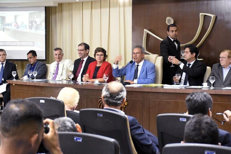 Audiência discute alternativas para redução no preço de passagens aéreas no RN