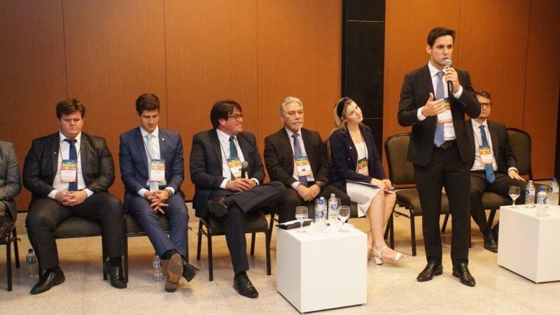 Deputado Rafael Motta pede aprovação do Plano Nacional da Juventude