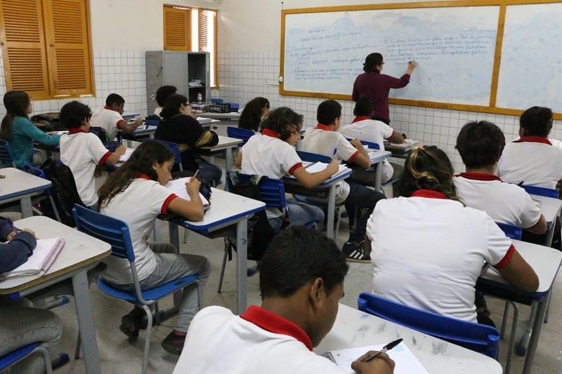 Governo acerta com professores da rede estadual proposta de reajuste do piso salarial
