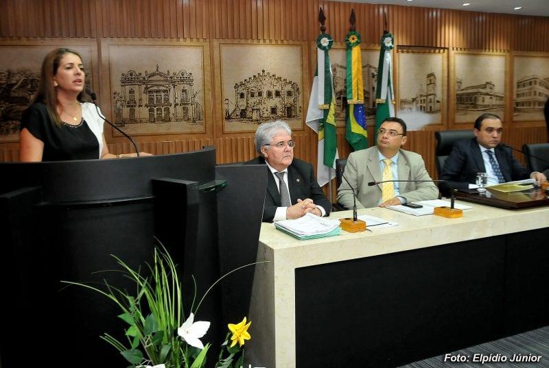 Vereadores aprovam projeto que beneficia filhos de servidores municipais