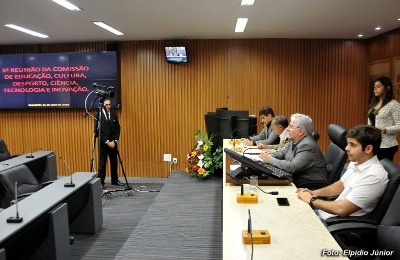 Comissão aprova criação da Frente Parlamentar em Defesa da Educação Pública