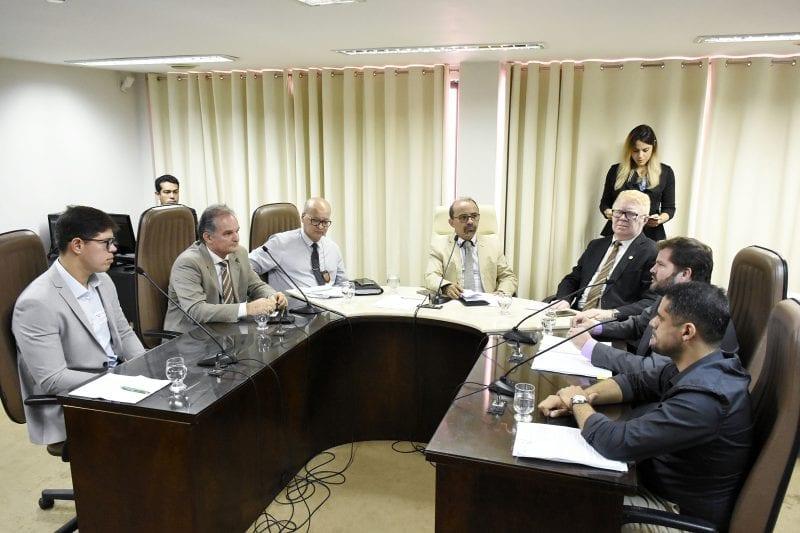Comissão de Defesa do Consumidor discute cortes nos serviços de energia e água