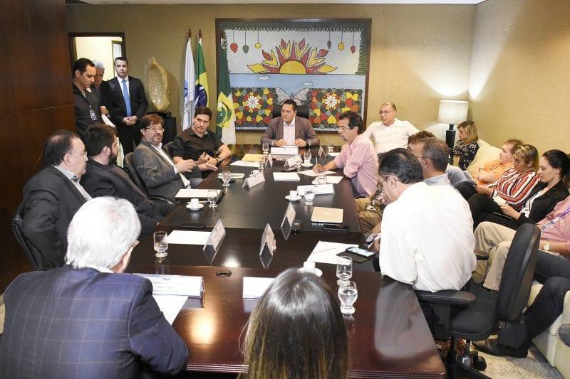 Deputados recebem do Governo garantia de pagamento de emendas de 2018