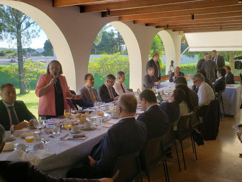 Governadora Fátima entrega PEC do novo Fundeb que irá tramitar no Senado
