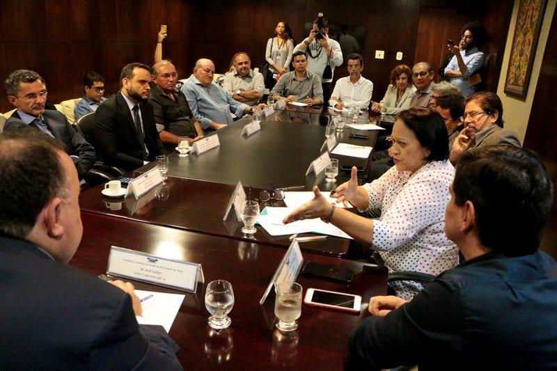 Governo garante repasses para saúde e transporte escolar dos municípios