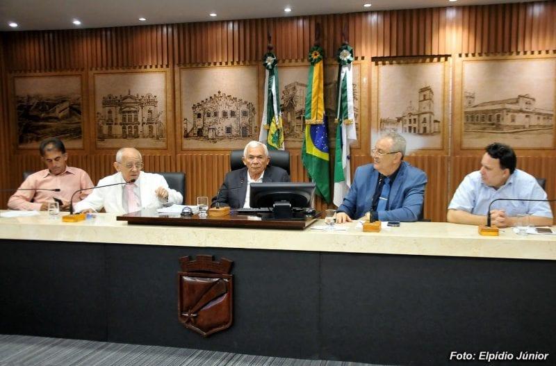 Secretário Municipal de Saúde presta esclarecimentos à Comissão de Saúde
