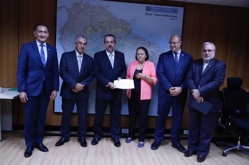 Governadora entrega PEC do novo Fundeb ao ministro da Educação