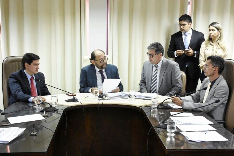 Assembleia instala comissão para analisar PEC que limita gastos do Estado