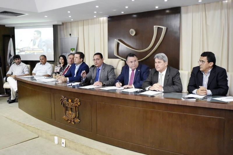 Problemática dos municípios marca primeira reunião da Frente Municipalista