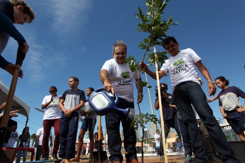 Prefeito Álvaro Dias lança o projeto PLANTA NATAL
