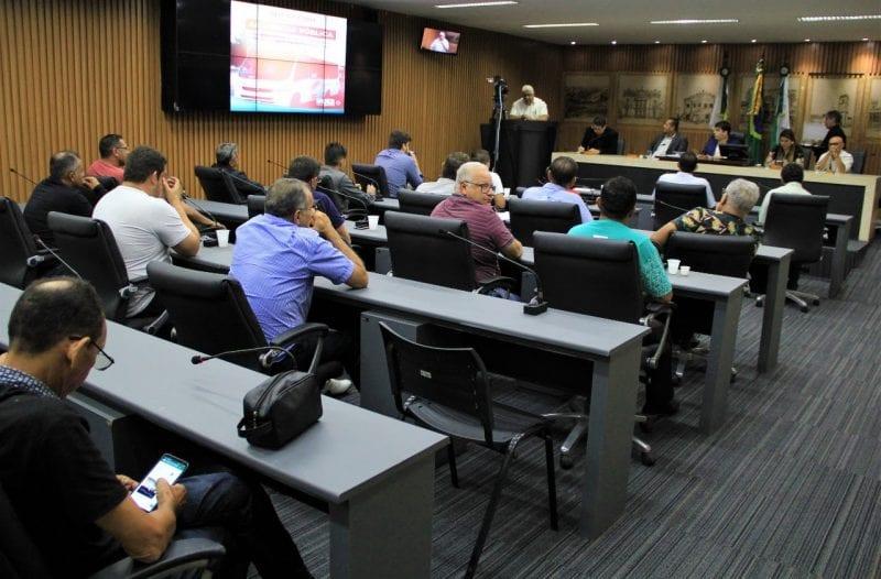 Motoristas do transporte opcional apresentam na Câmara reivindicações à STTU