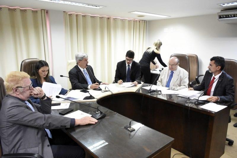 Comissão de Finanças e Fiscalização aprova matéria que modifica Lei do IPVA