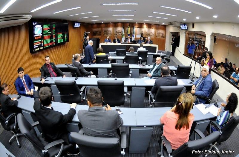 Vereadores encerram votação da LDO 2020