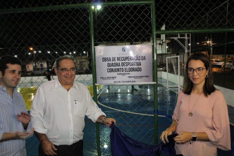 Prefeito Álvaro Dias entrega a 45ª quadra poliesportiva reformada em sua gestão