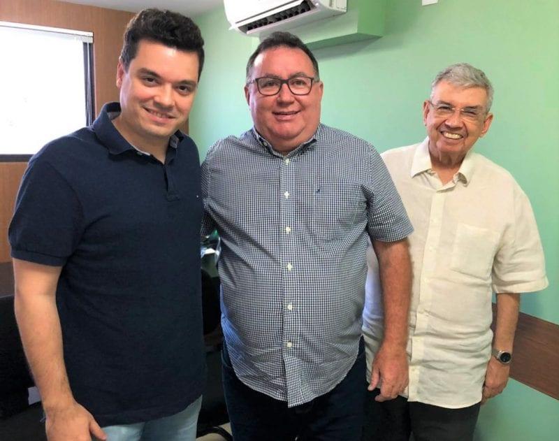 Garibaldi e Walter Alves convidam Bernardo Amorim para ingressar no MDB