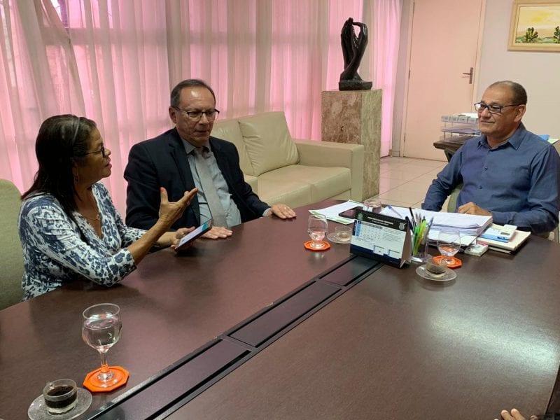 Vereador Raniere Barbosa solicita escola pública de ensino médio para o bairro do Planalto