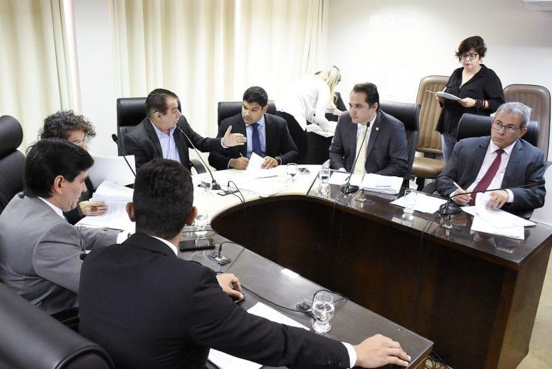 CCJ debate Projeto que trata de critérios para cargos do Governo do Estado