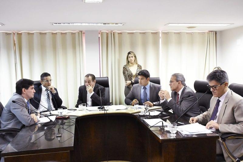 CCJ aprova projeto que institui a Política Estadual do Trabalho