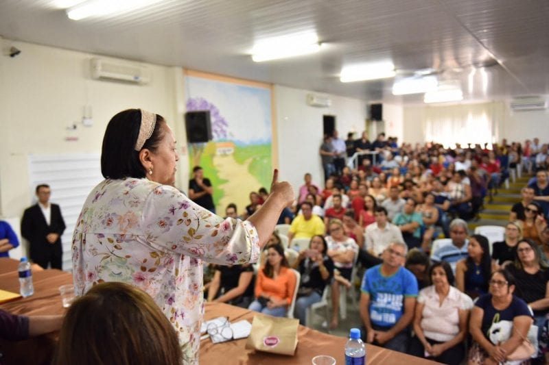 Governo entrega R$ 1,4 mi via Microcrédito na região Oeste