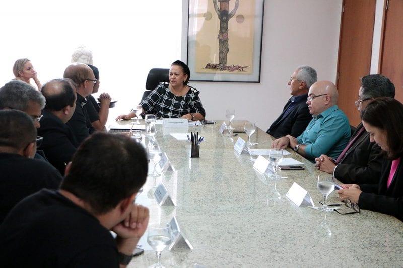 Governo cria grupo de trabalho para tratar com agentes as demandas do sistema prisional