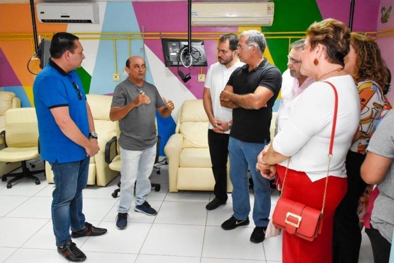 Deputado Ezequiel Ferreira visita a Liga Mossoroense contra o Câncer