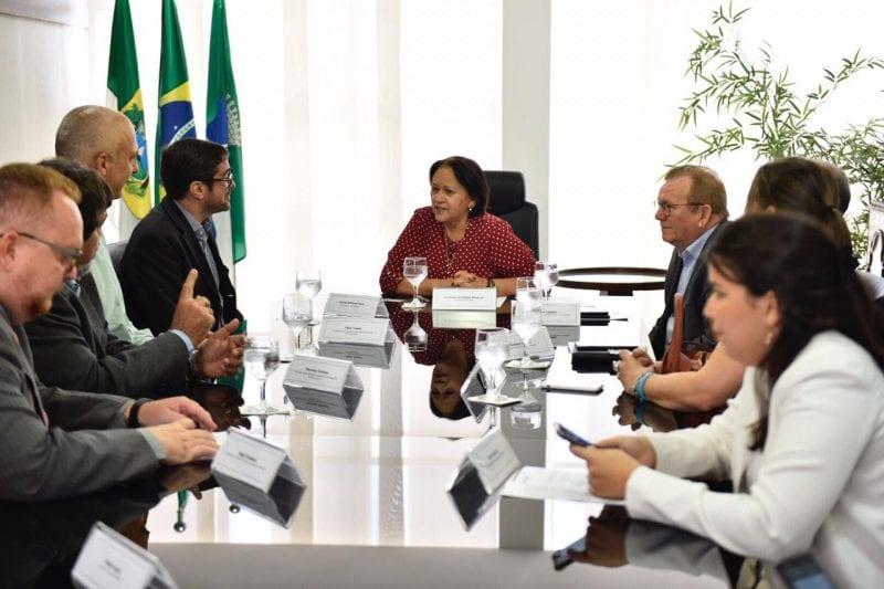 Governadora pede manutenção e  ampliação de empregos pela 3R Petroleum
