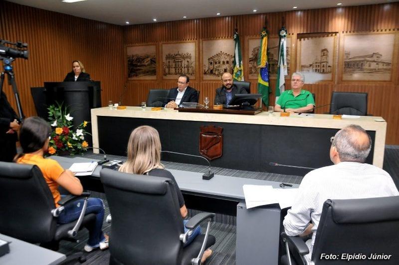 Comissão de Planejamento Urbano debate implantação do estacionamento rotativo em Natal
