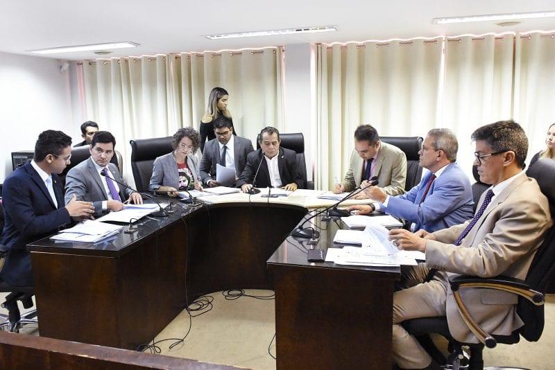 Comissão de Constituição e Justiça realiza reunião com 19 matérias na pauta