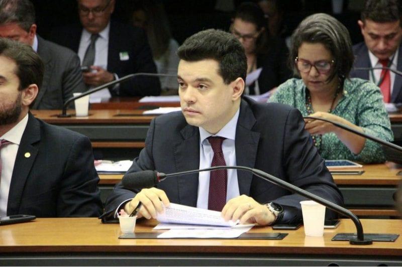 Deputado Walter Alves é titular em comissão que debate superendividamento do consumidor
