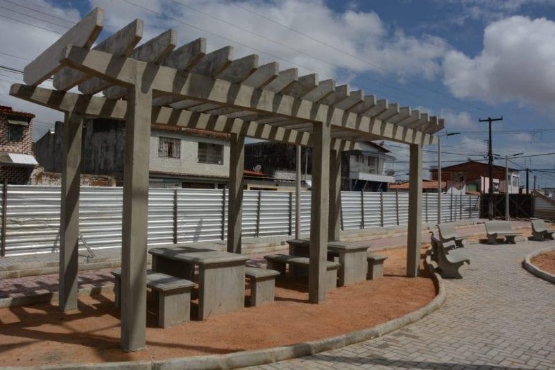 Obra da praça multiuso de Jardim Lola já está 50% concluída