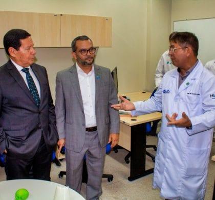 """Presidente em exercício Hamilton Mourão elogia trabalho do LAIS; """"Este espaço traz esperança para um número significativo de pessoas"""""""