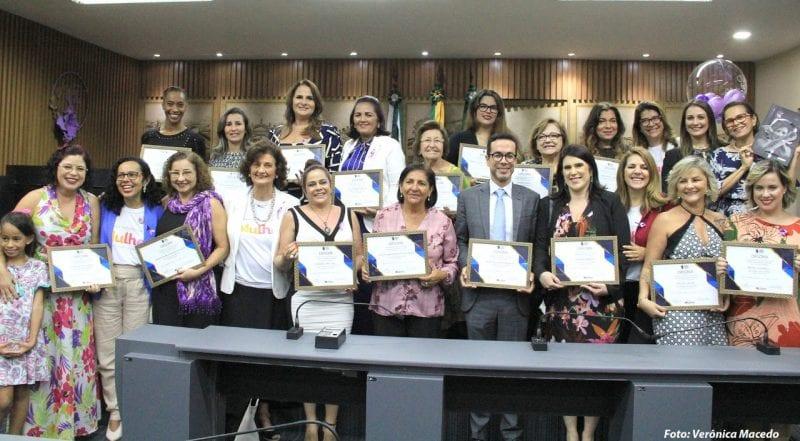 Câmara encerra campanha Agosto Lilás com homenagem às mulheres