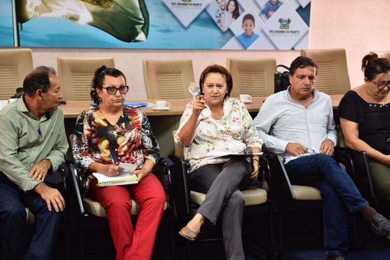 Governadora discute organização do SUS e melhoria do atendimento de saúde